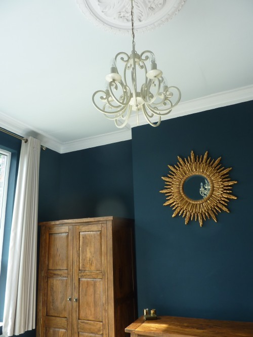 Farrow and Ball Hague Blue Cabbage White ceiling