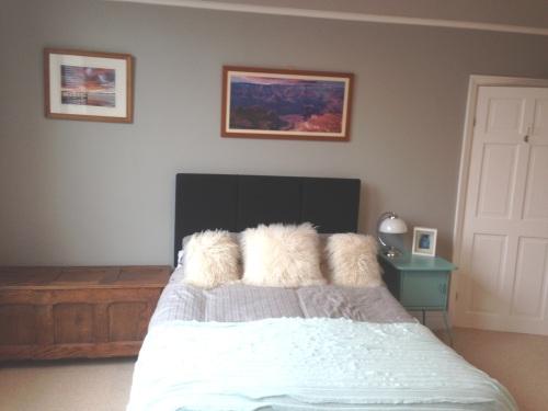 Grey colour scheme bedroom